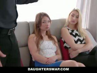 Daughterswap - tricking & knull deras farsor under mardi-gras