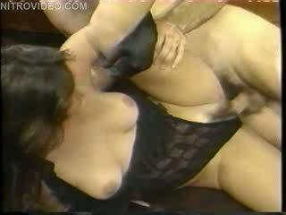 Aja 과 jon dough 에 그만큼 gold 나이 의 포르노를