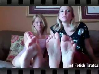 Foot jimat brats: claire heart and dre licking their kaki.