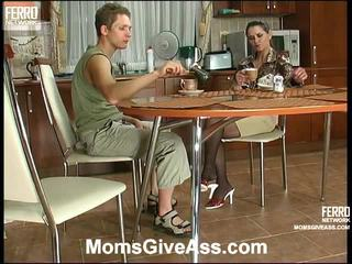 Compilatie van emilia, gilbert, benjamin door moeders geven bips