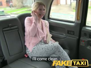 Faketaxi 角質 顧客 calls taxi bluff