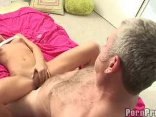 Lusty 小 boobed tanner mayes getting 她的 bawdy cleft cracked 由 一 怪物 jock