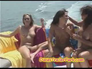 vene, yacht, lesbo