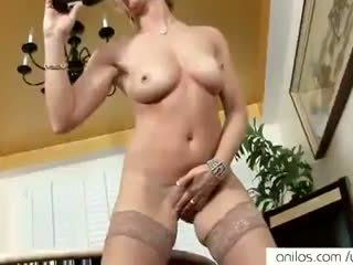 Real orgazëm për nxehtë moshë e pjekur mami
