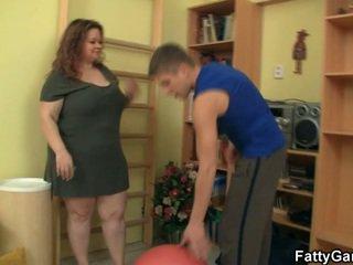 كبير, الثدي, الجنس المتشددين