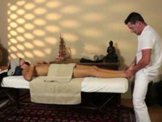 Foarte tricky masaj cameră de flămând masseur