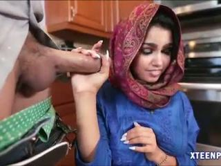 Arab hottie ada gets 她的 的陰戶 filled 同 warm cumload