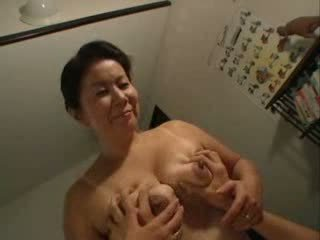 Japonija mama having seksas su jos stepson video
