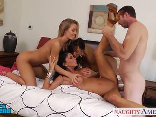 Секси момичета jessica jaymes, lisa ann и nicole aniston
