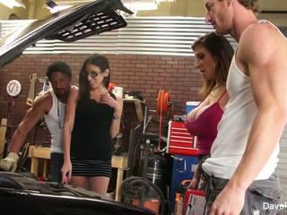 นมโต hotties dava & sara เพศสัมพันธ์ the mechanics