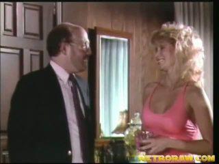 v kuchyni nahá, retro porno, vintage sex