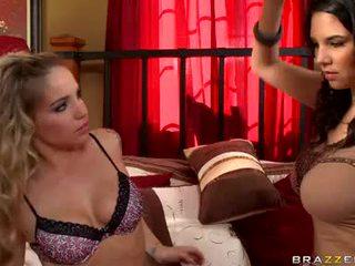 Missy martinez y sienna milano lesbianas chicas amor bubbles rubbing