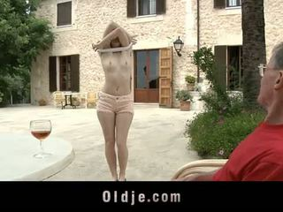 Oldje: Denisa Heaven screwed by an old man outdoors