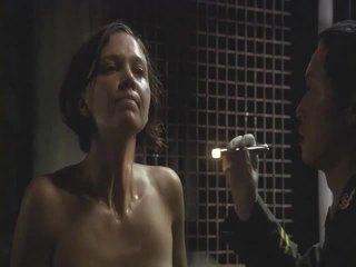 Maggie gyllenhaal striptiz gözle