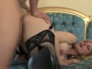 Bitchy sexy momma nina hartley acquires awesomely attacked da un cazzo da dietro