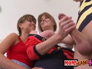 Thiếu niên và stepmom chia một tốt cứng tinh ranh