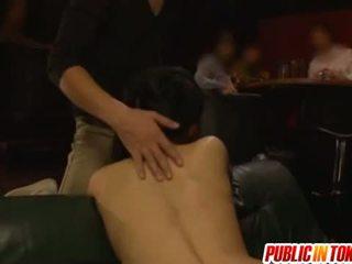 Sarılı ipek ile sora aoi giyinik seks içinde bir tuvalet