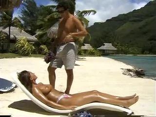 Belle Bolivia Samsonite fucks in ass