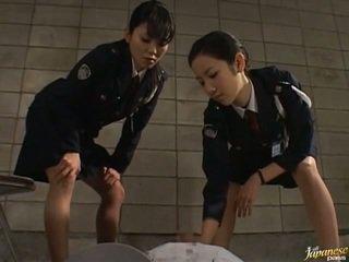 Japanilainen av malli sisään the void urine toiminta