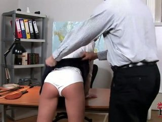 Zlý campus female lucy lee having spanked
