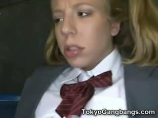 Aasia buss perverts edasi valge teismeline!