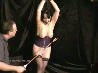 Mini etek slavegirls seçki oral seks üstsüz ve grup seks