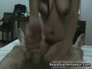 Космати путка азиатки hottie ръчна работа