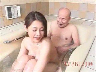 Maki tomoda पुराना आदमी और मिल्फ 2