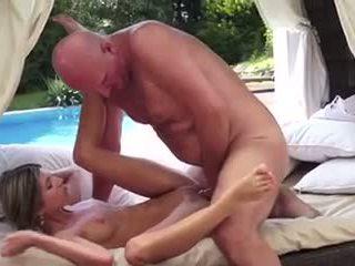 18 років, старий + молодий, hd порно