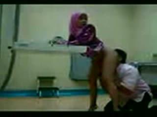Arab hijab مارس الجنس في لها gynecologist فيديو