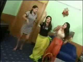Khỏa thân arab cô gái video