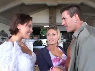 Boda trío un hombre dos mujeres