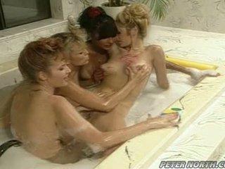 Anna malle และ tiffany mynx บน a ดื้อ ฟองสบู่ ห้องน้ำ session ด้วย บาง girlfriends