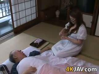 Mamalhuda japonesa dona de casa