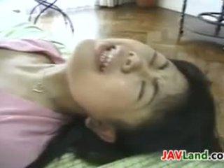 japonês, bebê, dedilhado
