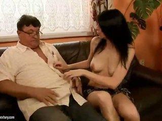 Beruntung kakek fucks seksi gadis