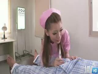 Pievilcīgas medmāsa ayumi kobayashi markas a housecall ar an