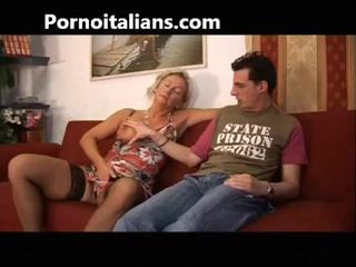 Itālieši palaistuve fucks māte ar dēls - mamma italiana troia scopa con figlio italia