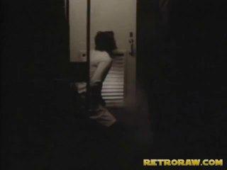 Sebuah peeping tom