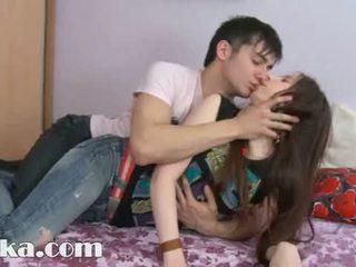 Αυτό 18yo κορίτσι having σπέρμα σε αυτήν μουνί
