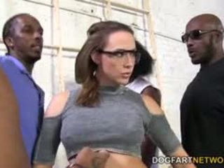 Chanel preston gets fucked oleh yang crew daripada hitam men