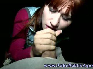 Fake publiczne agent promisses an amatorskie dziewczyna że on wola sperma na jej twarz