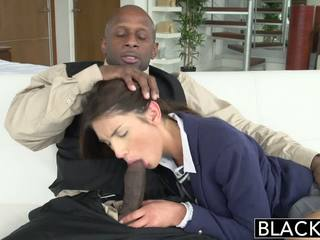 Blacked ekte modell august ames loves svart kuk