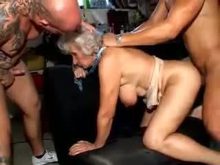 Γιαγιά norma: ελεύθερα ώριμος/η πορνό βίντεο a6