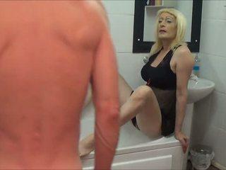 pissing, crossdresser, hemlagad