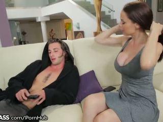 אמא חורגת helps בן לקבל יותר breakup