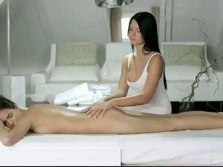 Silvie e addison massaggio ogni fighe