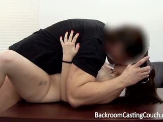 brunette, masturberen, verspreiding