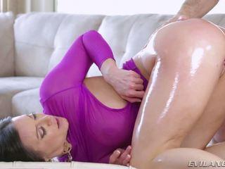 Разкошен kendra lust gets малко дълбоко pounding гонзо действие