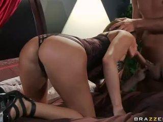Madelyn marie kärlek kvävning self med hård balle